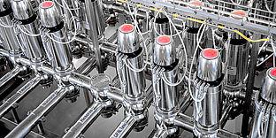 Double-seat valve manifolds