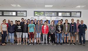Technik-Klassen der Dr. Johannes-Faust-Realschule zu Besuch bei KIESELMANN.